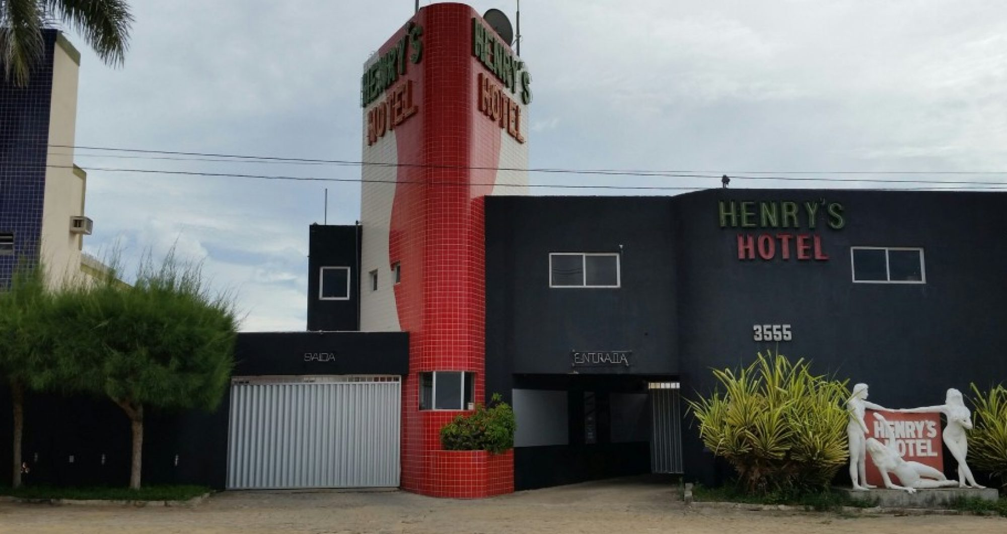 Henry's Hotel